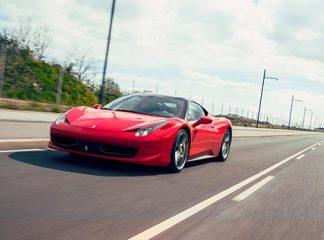 Julegaveide til ham - Tur i en Ferrari